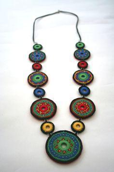 Posta – Comix x – Outlook – Schmuck Crochet Bracelet, Bead Crochet, Crochet Earrings, Crochet Jewelry Patterns, Crochet Accessories, Textile Jewelry, Fabric Jewelry, Jewellery, Jewelry Crafts