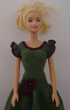Puppenkleidung - Barbie Kleid (gehäkelt), dunkelgrün - ein Designerstück von Anna-Tim bei DaWanda