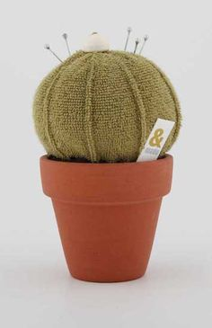 Best pin cushion ever? Thoughts please!