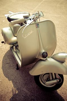 Vespa / Italy ( Acma Style )