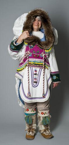 Ulayok Lucy Kaviok. - Beaded amautik, 1970s. - Collection of the Winnipeg Art Gallery. 2011-11