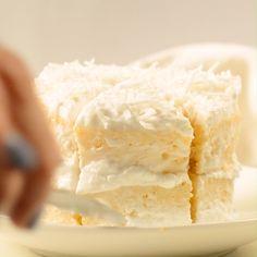 Wedding cake recipes 408631366193585402 - KETO COCONUT FLOUR MUG CAKE easy, low carb, healthy a keto vanilla mug cake with coconut frosting net carbs Source by roxerobert Low Carb Sweets, Low Carb Desserts, Healthy Sweets, Low Carb Recipes, Health Desserts, Coconut Flour Mug Cake, Coconut Frosting, Coconut Flour Recipes Keto, Low Carb Paleo