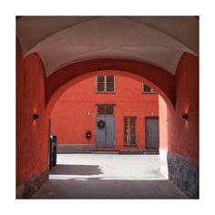 """Mi piace"": 19, commenti: 3 - Anna Biström (@anna.bistrom) su Instagram: ""Helsinki ❤️ #helsinki #sisäpiha #courtyard #visithelsinki #myhelsinki #torikorttelit"""