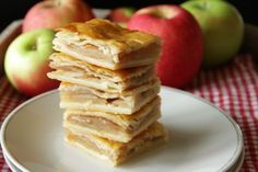 Topfen (quark or farmer's cheese) works its magic in the dough of these squares, making the crust tender, flaky and a little bit tangy. The perfect crust to highlight the sweet apples. Austrian Recipes, Cake & Co, Desert Recipes, Cakes And More, No Bake Cake, Crockpot Recipes, Sweet Tooth, Bakery, Sweet Treats
