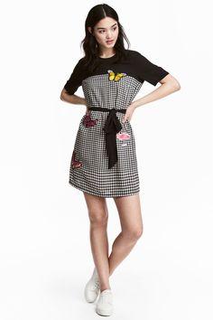 Dress with appliqués - Black/White/Checked - Ladies | H&M GB 1