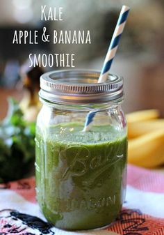 Kale Apple and Banana Smoothie