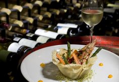 ¡Buen provecho Michelin Star, White Wine, Alcoholic Drinks, Beef, Dining, Ethnic Recipes, Wine Tasting, Bon Appetit, Wine Cellars