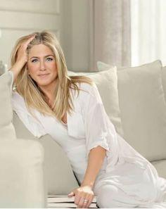 Jennifer Aniston bevallotta mikor meztelenkedik legszĂvesebben ĂŠs azt is, mi a legdurvĂĄbb dolog, amit pĂŠnzĂŠrt csinĂĄlt.