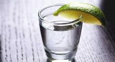Vodka: Calories, Carbs, and Nutrition Facts Low Calorie Cocktails, Diet Drinks, Beverages, Health And Fitness Articles, Health And Wellness, Cucumber Juice Benefits, Ways To Stay Healthy, Healthy Mind And Body