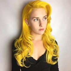 Bright yellow hair color for with soft curls Yellow Hair Color, Green Hair, Purple Hair, Turquoise Hair, Violet Hair, Hair Colors, Good Dye Young, Bright Hair, Colorful Hair