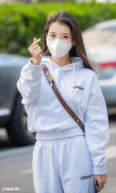 Iu Fashion, Korean Fashion, Cute Korean Girl, Korean Entertainment, Korean Singer, Aesthetic Clothes, Nice Tops, Asian Beauty, Actors & Actresses