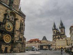Praga en 2 días - Viajeros Callejeros Barcelona Cathedral, Big Ben, Building, Places, Travel, Prague Travel, Metro Station, Czech Republic, European Travel
