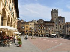 The Via Romea Germanica covers from Stade to Rome. In Tuscany, it crosses the province of Arezzo and enters Umbria, it later joins the Via Francigena. Stuff To Do, Things To Do, Giorgio Vasari, Gothic Cathedral, Grand Staircase, By Train, Time Travel, Day Trips, Great Places