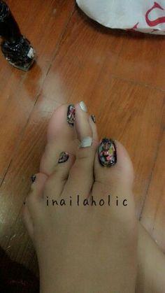 Inailaholic splatter nail art.