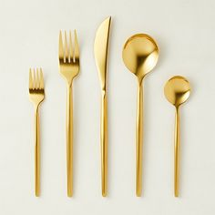 Show the home chef in your life how much you care with unique kitchen gifts. Shop kitchen accessories and gadgets, cooking tools and more online. Modern Flatware, Gold Flatware, Flatware Set, Gold Kitchen, Bar Kitchen, Green Kitchen, Knife Block Set, Stainless Steel Dishwasher, Accessories