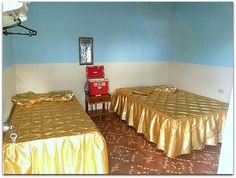 Detalle de la habitación. Cuba, Table, Furniture, Home Decor, Decoration Home, Room Decor, Tables, Home Furnishings, Home Interior Design