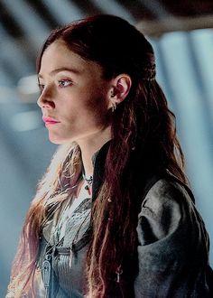 Clara Paget as Anne Bonny in Black Sails.
