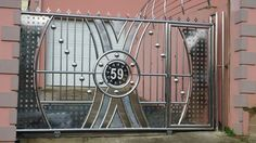 Master Gates Durban manufacture and supply of Stainless Steel Gates and Sliding Gates. Visit our website today for more information. House Main Gates Design, Front Gate Design, Entrance Design, Entrance Doors, Stainless Steel Gate, Steel Gate Design, Grill Door Design, Balcony Railing Design, House Design Pictures