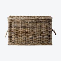 Dekorasjon   Home & Cottage Laundry Basket, Wicker Baskets, Cottage, Home Decor, Living Room, Deco, January, Decoration Home, Room Decor