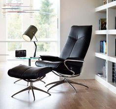 Stressless luxury recliner chairs and sofas Maidstone. Buy Stressless furniture and accessories online. Stress Less, Relax, Living Room Furniture, Recliner Chairs, Sofas, Minimalist, Luxury, Hairstyle, Vanity Ideas