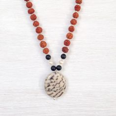 Limitless Mala Limitations live only in our minds. But if we use our imaginations, our possibilities become limitless. This stunning mala activates the goddess within to inspire creativity, imagination, and help us to find unconventional and exciting ways to reach goals.