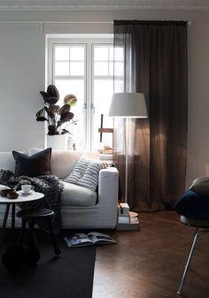 Livingroom   White sofa   Photo: Daniella Witte