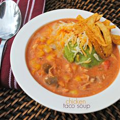Slow Cooker Chicken Taco Soup: easy weeknight meal! Sooo good!!! #crockpot