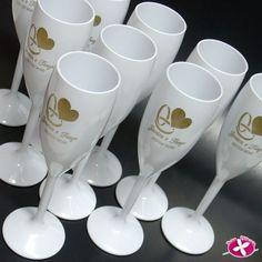 Taça de Champanhe em Acrílico Personalizada para festa de Casamento. www.rosapittanga.com.br