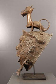 Art africain - Masque Tikar en Bronze Afrique Art, Art Premier, Art Africain, African Masks, African Culture, Tribal Art, Bronzer, Lion Sculpture, Visual Arts
