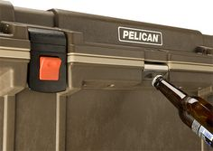 Glacière Pelican ProGear avec ouvre-bouteille intégré - Pelican ProGear cooler with integrated bottle opener - Lowest prices in Canada