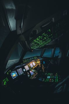 training material for pilots & safety in aviation Photo Avion, Aviation Quotes, Airplane Wallpaper, Aviation World, Airplane Pilot, Airplane Flying, Airplane Photography, Boeing 777, Flight Deck