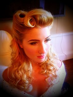Pin up hair modern Victory rolls All For Mary ~ Redefining the salon exper. Pin up hair mode Cabelo Pin Up, Peinados Pin Up, Retro Hairstyles, Wedding Hairstyles, Pin Up Hairstyles, 1940s Hairstyles For Long Hair, Formal Hairstyles, Pinup, Retro Wedding Hair