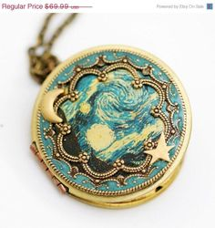 ON SALE Locket, Moon and Star Locket,Photo Locket, Wedding Necklace,The Starry Night - Vintage Locket,bridesmaid gift locket necklace,Moon,