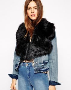 Obsessed with this faux fur label collar from ASOS - put it on anything during winter and fall