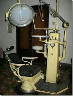 Remember when Dentist equipment looked like this? No wonder I'm a dental chicken! My Childhood Memories, Sweet Memories, Early Childhood, Do You Remember, My Memory, The Good Old Days, The Past, Old Things, Times