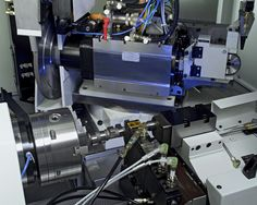 Complete-machining with B-axis and three spindles #emag #camshaft #crankshaft