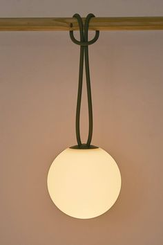 Rechargeable Outdoor Bolleke LED Lamp Design by Fatboy Fatboy's Bolleke is a fun rechargeable lamp that resembles a large glowing pearl when lit. Design Light, Lamp Design, Luminaria Diy, Lounge Chair Design, Globe Lights, Pendant Lamp, Decoration, Home Remodeling, Sconces