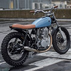 7B live on Pipeburn now #Autofabrica #scrambler