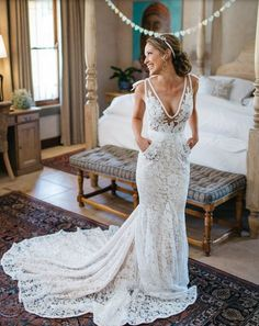 #realbride Lynette in Inbal Dror gown feauturing cute pocket details! photo @kikitography