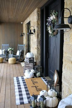 magnificent farmhouse front porch decorating ideas that make you smile 15 5 . magnificent farmhouse front porch decorating ideas that make you smile 15 5 * culture. Fall Home Decor, Autumn Home, Front Porch Fall Decor, Fall Porch Decorations, Porch Uk, Fall Porches, Porch Ideas For Fall, Front Porch Decorating For Fall, Fall Front Doors