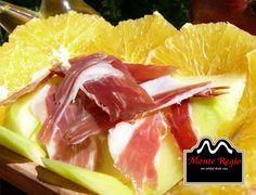 Desayuno sano y natural: melón con #jamón ibérico y rodajas de naranja ¡Delicioso!