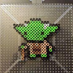 Yoda Star Wars perler beads by squirrelybitz
