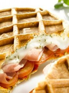 Gevulde hartige wafel van The Waffle Factory Pizza Recipes, Brunch Recipes, Gourmet Recipes, Snack Recipes, Snacks, Waffle Pizza, Waffle Bar, Waffle Iron, Waffle Factory