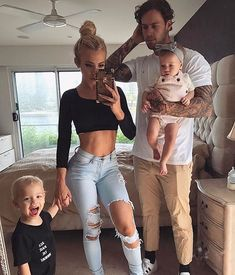 tammy hembrow and her family Couple Goals Relationships, Relationship Goals Pictures, Cute Couple Pictures, Baby Pictures, Couple Pics, Couple Shoot, Prom Pictures, Family Outfits, Cute Outfits