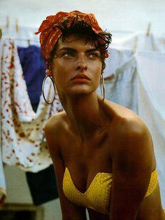 Linda Evangelista for Vogue Italia 1989 | Photo by Steven Meisel