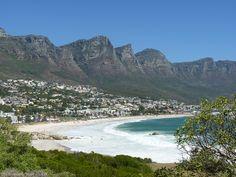 Von fast einem Jahrzehnt Leben und Arbeiten in Kapstadt habe ich dir die besten Tipps und meine Erfahrung mitgebracht, damit auch deine Auswanderung nach Südafrika prima klappt. Strand, Water, Travel, Outdoor, Europe, Cape Town, New Life, Travel Tips, Gripe Water