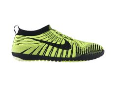 Scarpa da running Nike Free Hyperfeel - Uomo - 180 € It must fit like a glove. Try it in a Nike store before buying (with appropriate socks or barefoot)