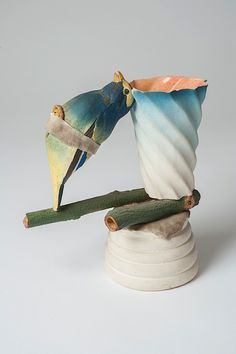 Richard Shaw Untitled, ceramic sculpture, 7 x 9 x 4 inches, 1972. Photo: Miguel Farias
