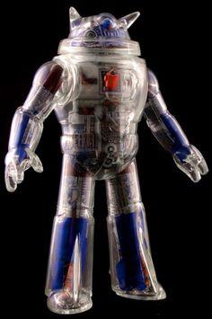 motomocomo:  burnworks:  Nekosaur crystal robot toy with...