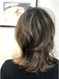 ミディアムマッシュウルフxハイライト 担当夕島 Short Shag Hairstyles, Haircuts For Fine Hair, Medium Hair Styles, Natural Hair Styles, Long Hair Styles, Long Hair Cuts, Layered Hair, Great Hair, Big Hair